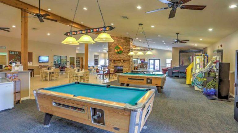 Branson King Resort King Condo 12