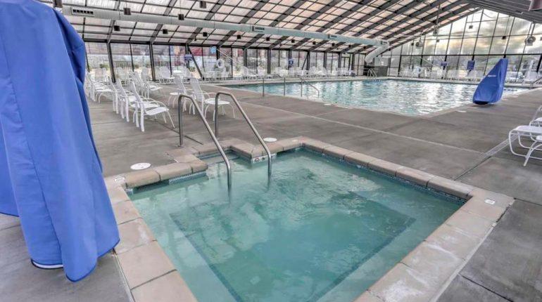 Branson King Resort King Condo 25
