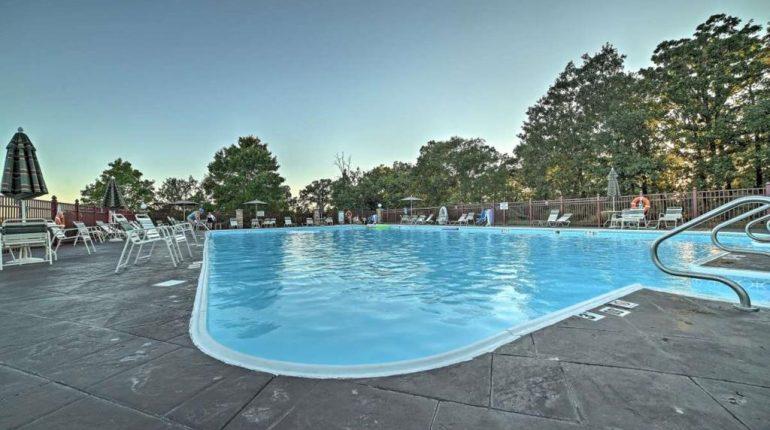 Branson King Resort King Condo 28