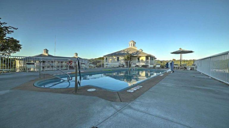 Branson King Resort King Condo 30