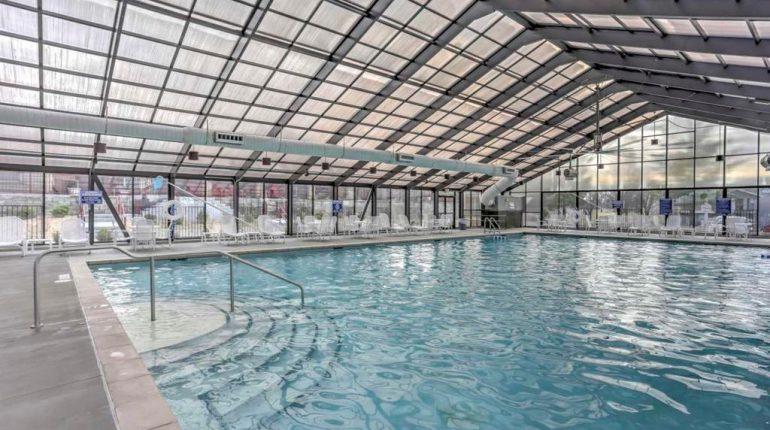 Branson King Resort King Condo 9