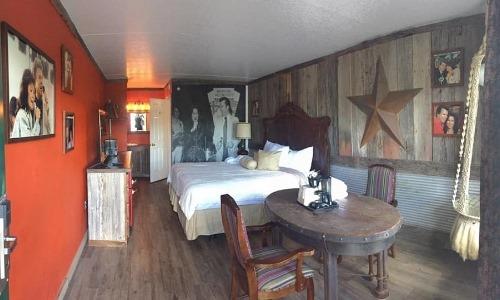 Branson King Resort Conway Twiity and Loretta Lynn 3
