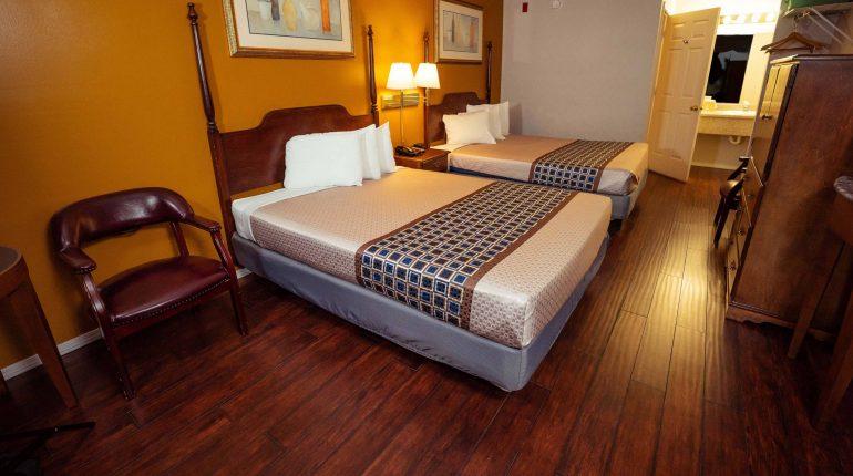Branson King Resort Standard 2 Queen Beds