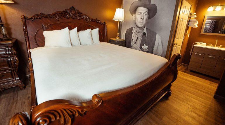 Branson King Resort Ronald Reagan Room 2