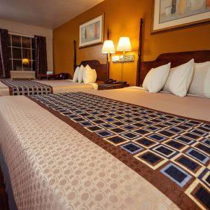 Branson King Resort Standard 2 Queen Beds 6